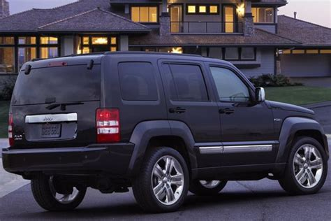 how much is a 2006 jeep liberty worth 2012 jeep liberty vs 2014 jeep autotrader