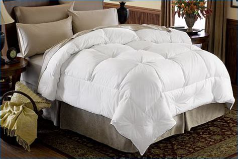 fluffy down comforter best 25 fluffy comforter ideas on pinterest white duvet