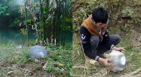 Bola Yo Yo Bahan Logam misterius 3 bola logam sebarat 6 kg jatuh dari langit di