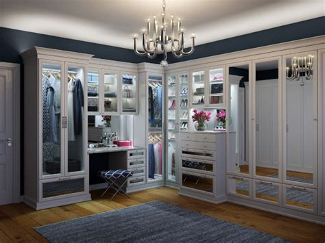 walk in walk in closet advantages for your home