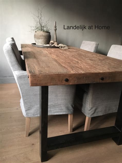 vierkante eettafel oud hout stoere eettafel oud hout met staal eettafels van hout