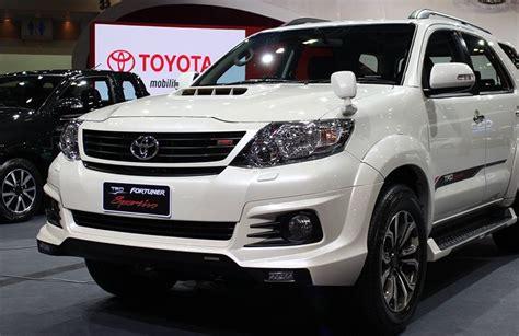 Elegans Emblem Logo Trd Sportivo Keren Untuk Mobil Kesayangan arti trd sportivo pada mobil toyota otomotif keren