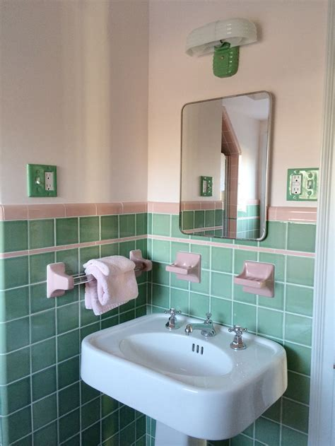 30 Magnificent Ideas And Pictures Of 1950s Bathroom Tiles Pink And Green Bathroom Ideas