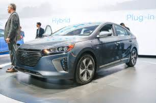 2017 hyundai ioniq ev hybrid and phev powertrains detailed   motor trend