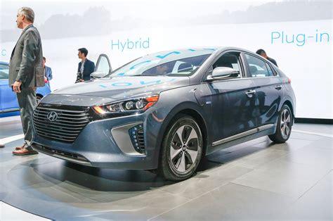hyundai ioniq in hybrid 2017 hyundai ioniq hybrid in hybrid electric revealed