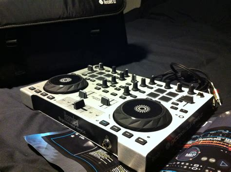 dj console hercules dj console rmx 2 image 595855 audiofanzine