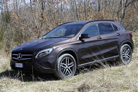 mercedes gla interni nuova gla enduro activity autolaghi