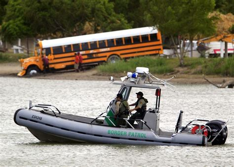 boat crash mexico two us border patrol agents and mexican child injured in