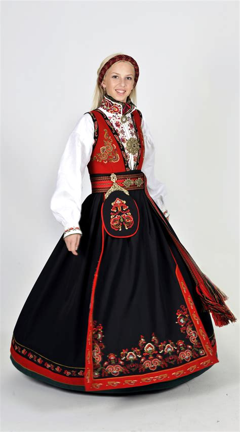 Traditional Costume what is the national costume called