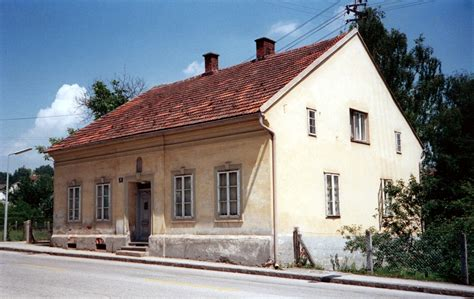 adolf hitler house file hitler house in leonding jpg wikimedia commons