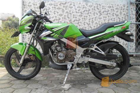 Striping Motor Kawasaki R 2011 Hijau r hijau modifikasi motor kawasaki honda yamaha