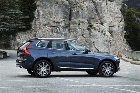 volvo xc crossover starts   motor trend