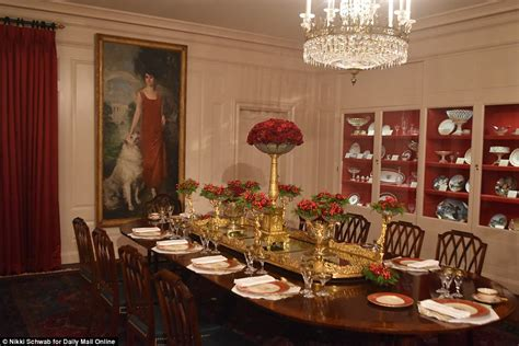 white house gold room melania unveils the first trump christmas white house