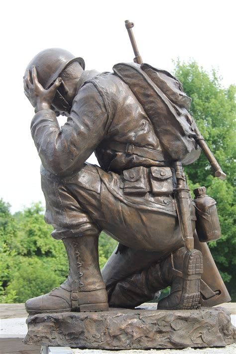life size bronze kneeling soldier military memorial monument