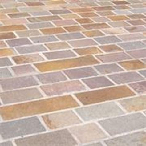 piastrelle antigelive pavimentazione esterna prezzi pavimenti per esterni
