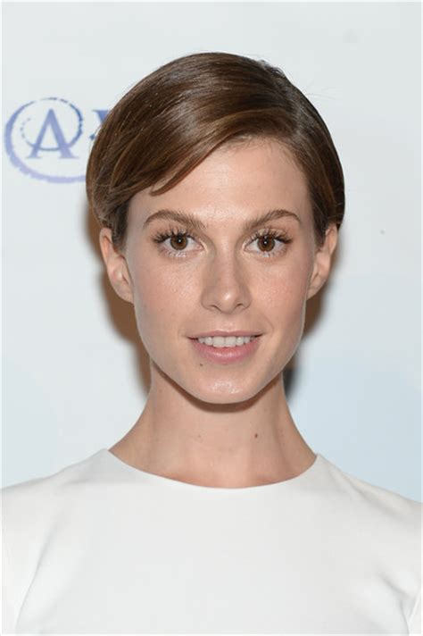 short hair styles part in middle with side bangs elettra wiedemann short side part elettra wiedemann