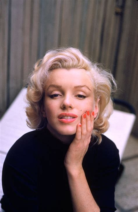the monroe house marilyn monroe at home in hollywood color photos of the
