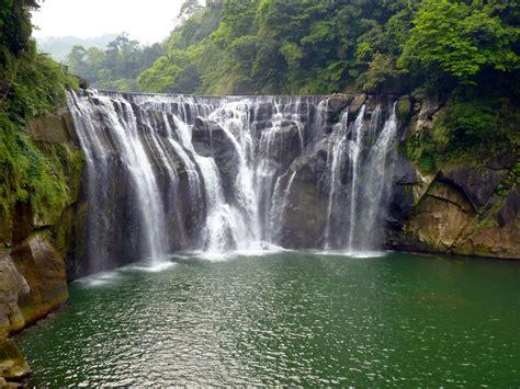 most beautiful waterfalls world s most beautiful amazing waterfalls