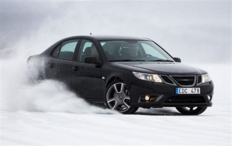 saab performance team practicing with new models