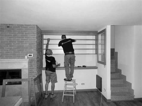 montaggio mensole 6 montaggio mensole legno arredamenti e mobili su misura