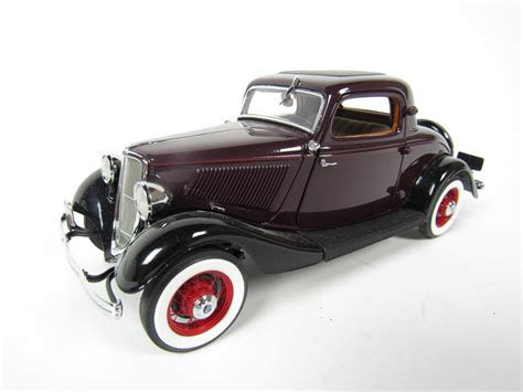 danbury ford 1933 ford deluxe coupe danbury mint 1 24 scale diecast