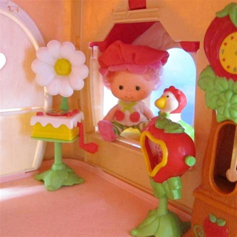 phonograph record player for strawberry shortcake berry