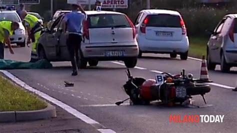 testo settimo milanese incidente a settimo milanese morto un uomo in moto