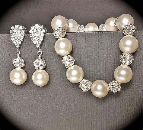 chunky pearl bracelet and earring set by queenmejewelryllc