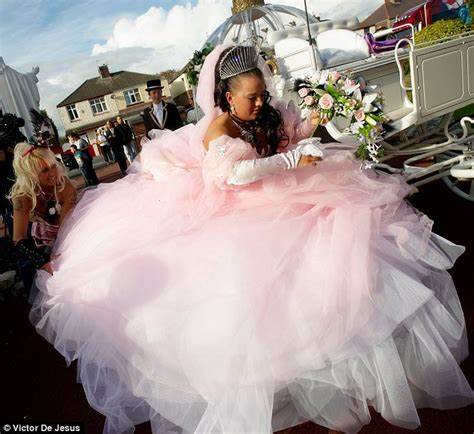 big fat gypsy wedding sam marries gypsy pat in huge dress