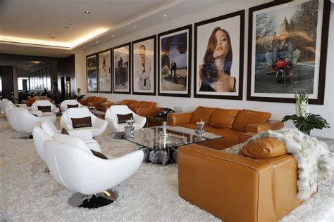 inside bruce makowsky s 250 million dollar mansion metro the most expensive home listing in the u s