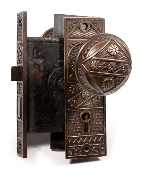 Antique Interior Door Knobs 20 Characters To Your Home With Door Knobs Interior Exterior Ideas