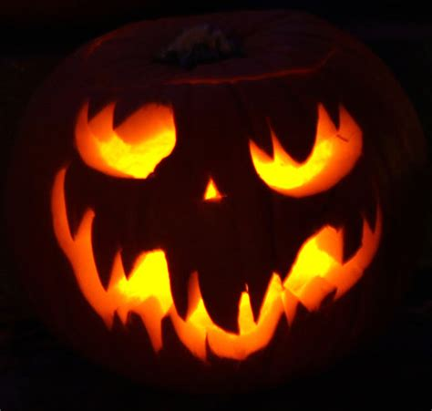 pumpkin designs 28 best cool scary pumpkin carving ideas