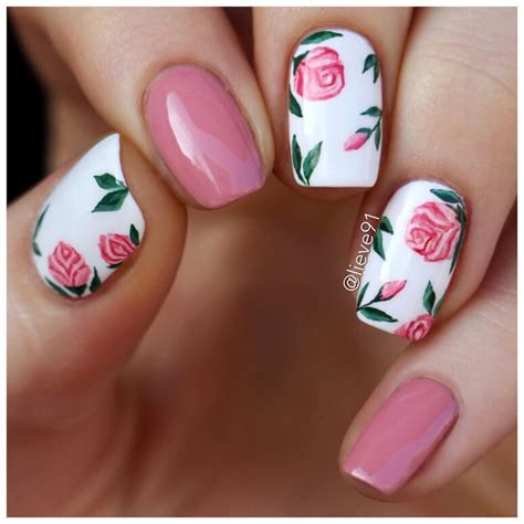 flower pattern on nails my new nails for today i did a little floral pattern