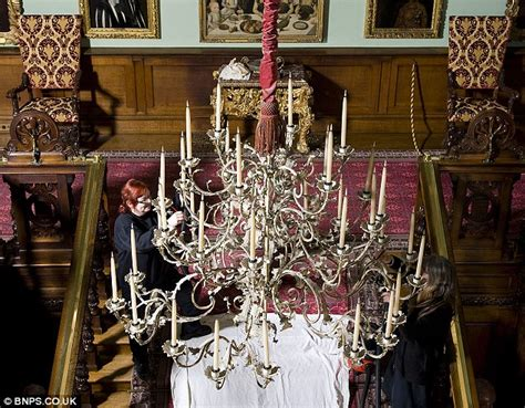 Chandelier Comedian Longleat Staff Avoid Only Fools And Horses Moment While Cleaning Chandelier Daily Mail