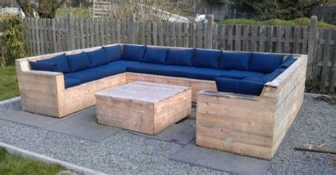 pinterest pallet couch diy pallet couch pallet and other diy furniture pinterest