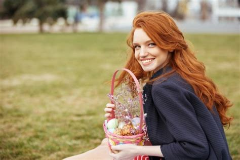 amica commercial actress red hair name of redhead girl in amica commercial name of redhead