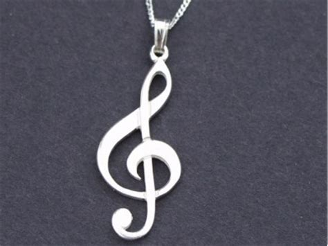 silver treble clef pendant sterling silver necklace with
