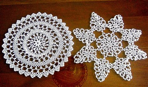 Dresser Doilies by Runner Table Dresser Scarf Doily Crocheted Lace 2 Crochet