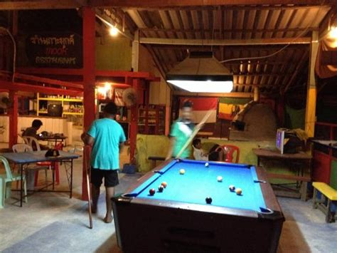 restaurants with pool tables pool table