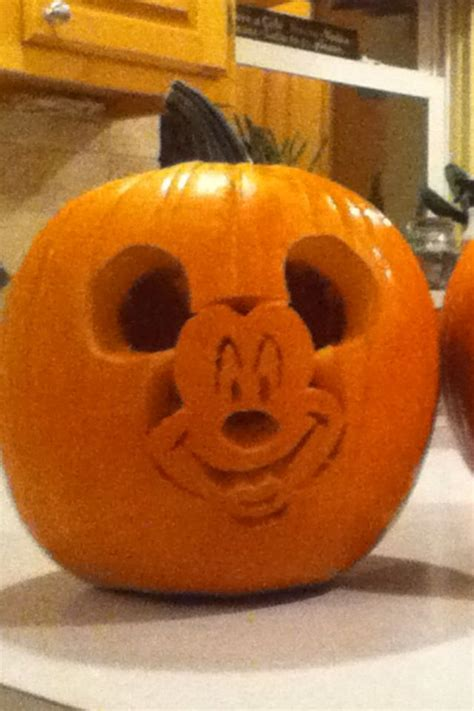 mickey mouse pumpkin carving cute stuff pinterest