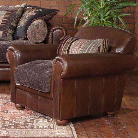 fauteuil anglais en tissu fauteuil anglais churchill cuir et tissu longfield 1880
