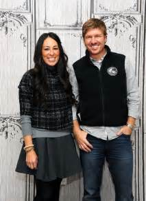 cast of fixer what it s really like to be cast on fixer upper popsugar