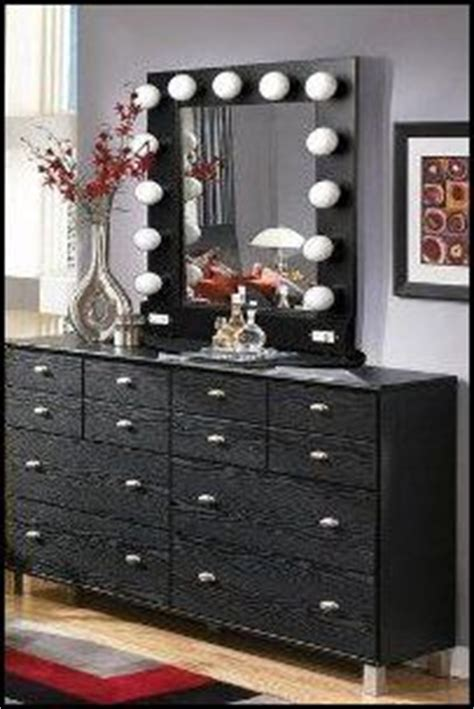 old hollywood themed bedroom old hollywood vanity on pinterest old hollywood decor marilyn monroe bedroom and