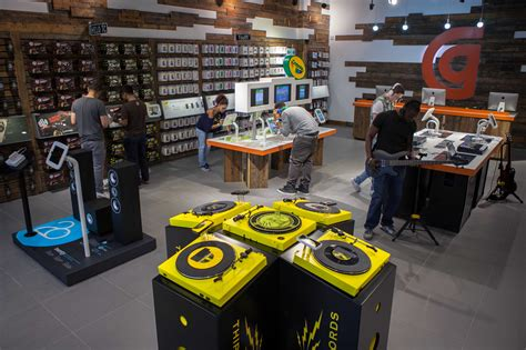 home technology store griffin goes big with their retail store opening