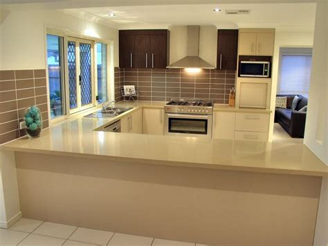 remodeling   small  shaped kitchen design