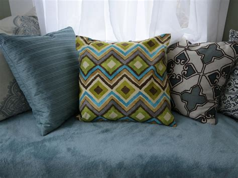 sewing throw pillows how to make throw pillows without sewing diy