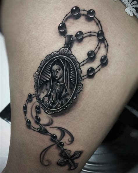 guadalupe tattoo design 20 tattoos that pay respect to la virgen de guadalupe