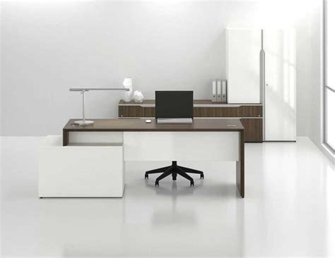 Office Desks Contemporary Best 25 Contemporary Office Desk Ideas On Pinterest Modern Office Desk Office Furniture And