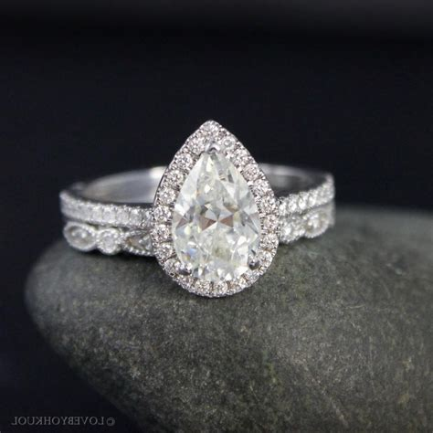 vintage pear shaped engagement ring vintage pear