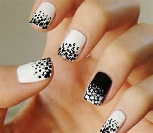 Black amp white nail designs picture